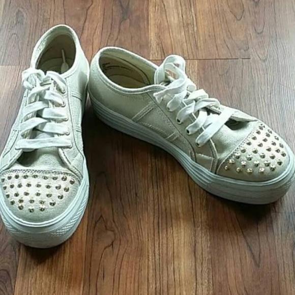 e6071ecddb0 Steve Madden Gold Bookie Platform Studded Sneakers